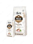 Cухой корм для взрослых собак со сниженной активностью, избыточным весом или пожилых собак со свежей индейкой и горошком Brit Fresh Turkey With Pea Adult Fit & Slim