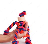Креативная эко-игрушка в виде человечка с деревянной насадкой вместо головы