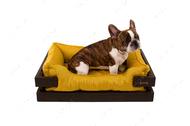 Лежак с коричневым деревянным каркасом и горчичной мебельной рогожкой Dreamer Brown + Mustard