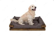 Лежак с деревянным каркасом натурального цвета и мебельной рогожкой серого цвета Dreamer Nature + Gray