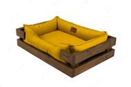Лежак с деревянным каркасом натурального цвета и мебельной рогожкой горчичного цвета Dreamer Nature + Mustard