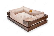 Лежак с деревянным каркасом коричневого цвета и велюровой лежанкой цвета пудры Dreamer Brown + Pudra Velur