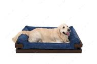 Лежак с деревянным каркасом коричневого цвета и вельветовой синей лежанкой Dreamer Brown + Denim Velvet
