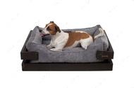Лежак с деревянным каркасом коричневого цвета и вельветовой серой лежанкой Dreamer Brown + Gray Velvet
