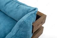 Лежак с деревянным каркасом натурального цвета и вельветовой голубой лежанкой Dreamer Nature + Blue Velvet