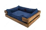 Лежак с деревянным каркасом натурального цвета и вельветовой синей лежанкой Dreamer Nature + Denim Velvet