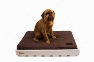 Ортопедический стеганный матрас Oliver из коричневой рогожки с усиленной поверхностью в деревянном каркасе белого цвета  White + Brown
