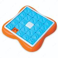 Игрушка головоломка для собак Nina Ottosson Challenge Slider dog Puzzle