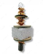 Камень для стачивания зубов и клюва с сухофруктами