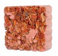 Минерал для грызунов с кусочками моркови Gnawing Stone with Carrot Cubes